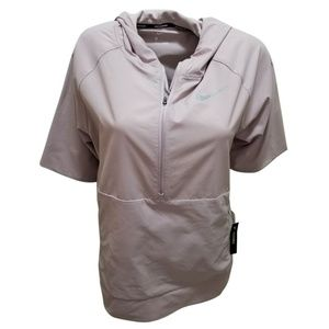 Nike Flex Water-Repellent Short-Sleeve  Medium